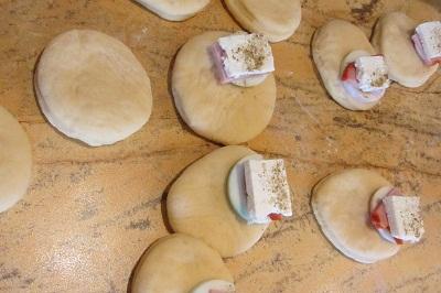 Хлебчета с пълнеж