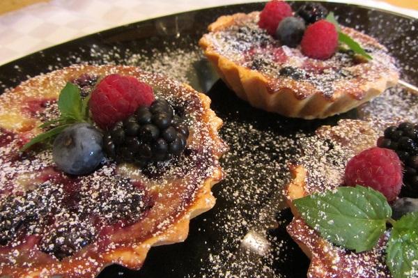 тарталети с горски плодове