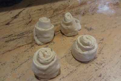 готови тестени розички букет
