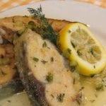 Риба с маслен сос