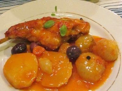 Заек-в-гювеч-картофи