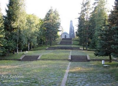 s Pol Serafimovo memorial 4