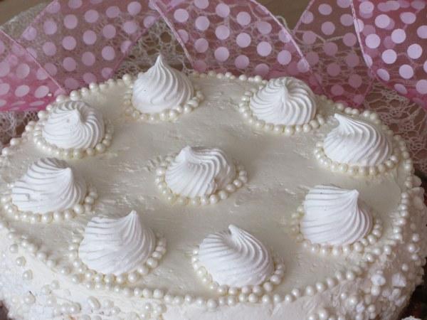 Торта с бадемов крем