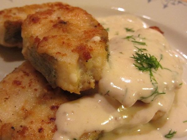 бяла риба със сметанов сос