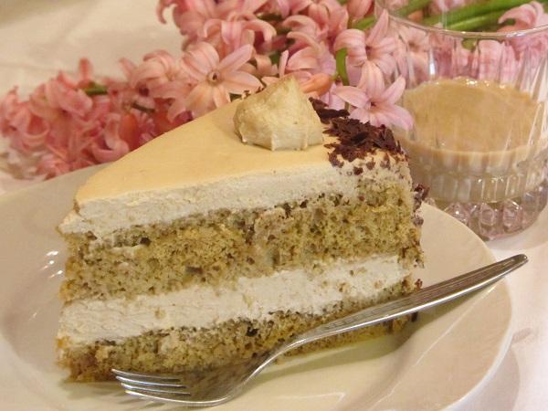 Лека торта с нес кафе и маскарпоне бейлис