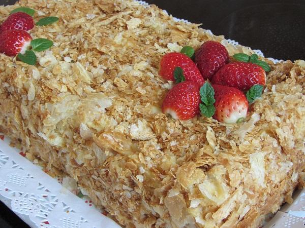 торта Наполеон с ванилов крем бутер тесто