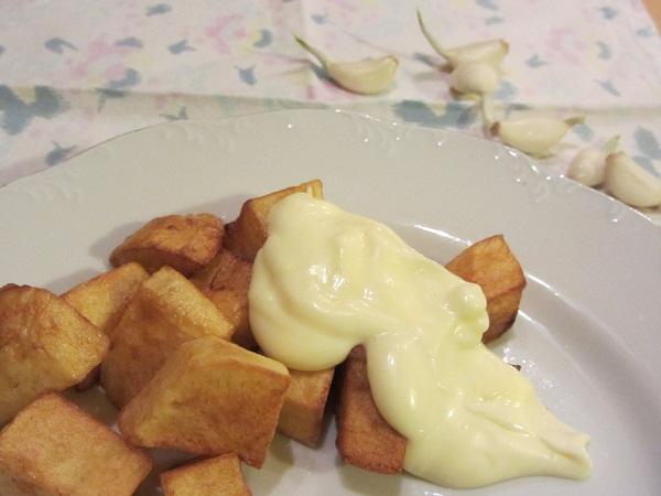пържени картофи с домашна майонеза