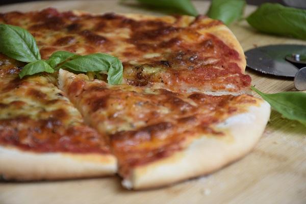 как-се-прави-тесто-за-пица
