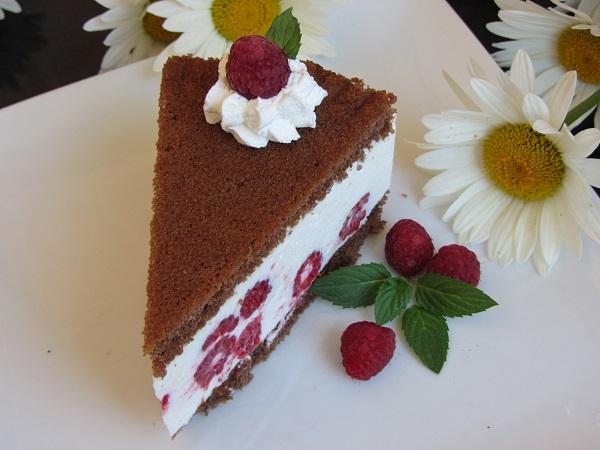 плодова торта с готови блатове желирана сметана малини