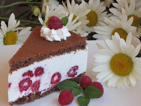 торта с желирана сметана и малини