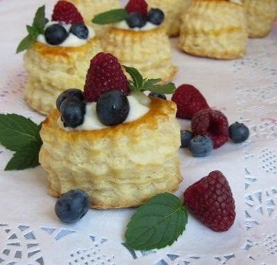 Кошнички бутер тесто с крем ванилия