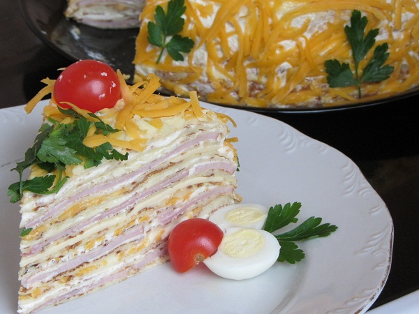 солена-палачинкова-торта