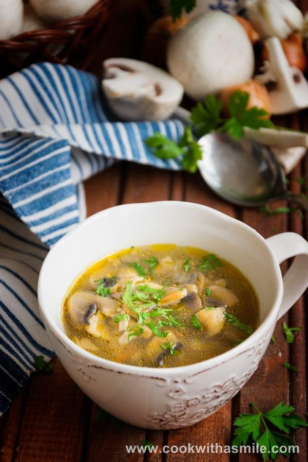 рецепта за бистра гъбена чорба с ориз