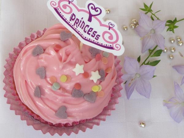 кексчета-розово-кадифе-с-маслена-глазура