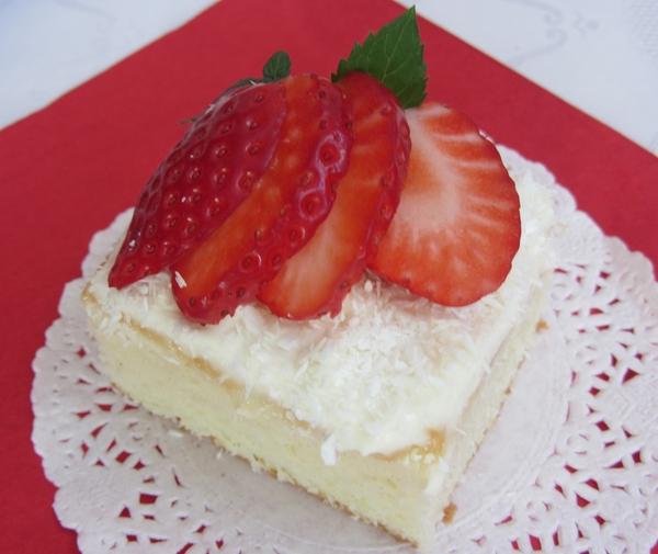 кекс-с-белтъци-и-ягоди