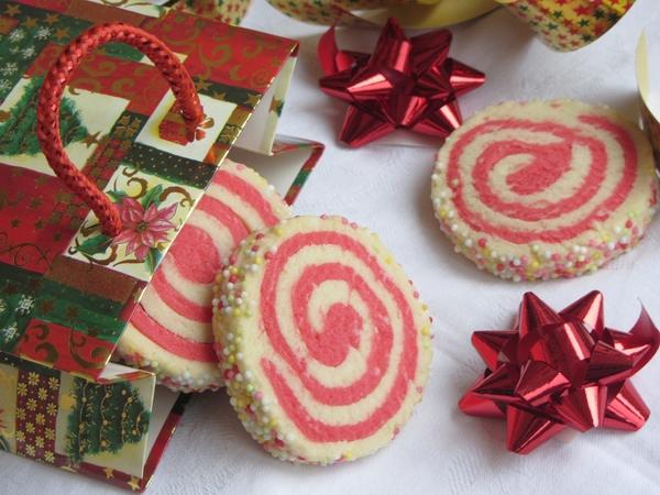 коледни-сладки-бисквити-спирали