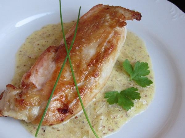 Пилешко-филе-със-сос-от-горчица-и-сметана