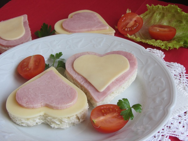 сандвичи-парти-хапки