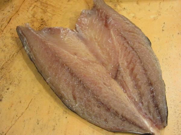 как-се-прави-рибен-салам-от-скумрия