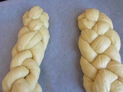 два-вида-лесни-плетки-за-козунак-с-четири-фитила