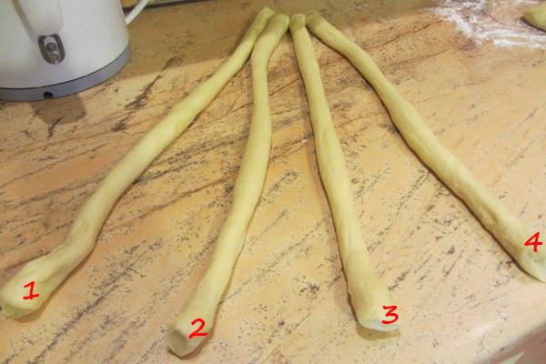 лесни плетки за козунак с четири фитила