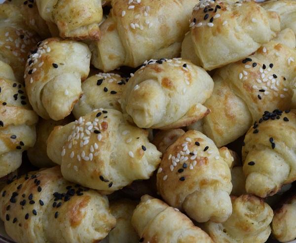 соленки-с-кашкавал-солени-кифлички-със-сирене