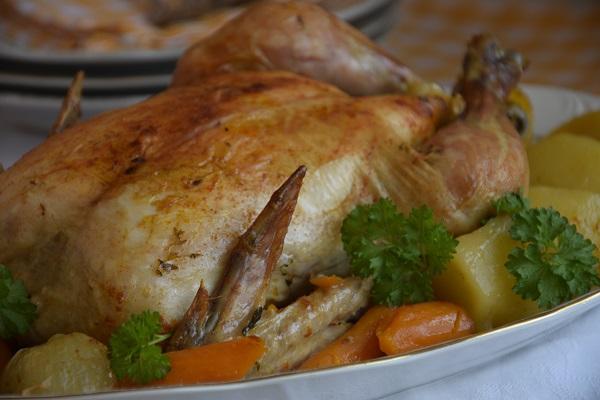 пиле-с-картофи-на-фурна-в-плик-за-печене