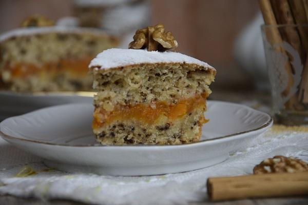 лесен кекс с тиква и орехи