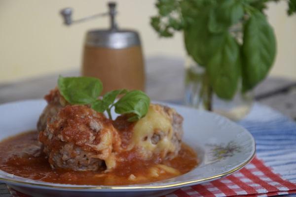 рецепта кюфтета с доматен сос
