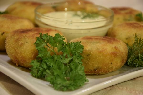 пухкави картофени кюфтета