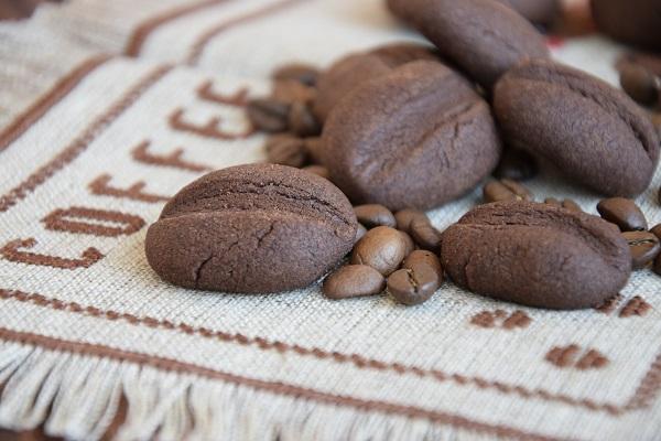 рецепта какаови бисквити кафени зърна