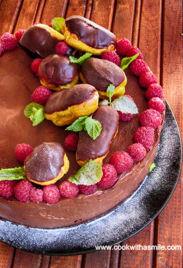 шоколадова еклерова торта с малини