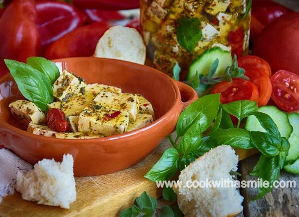 Мариновано сирене с билки или пикантни сиренца