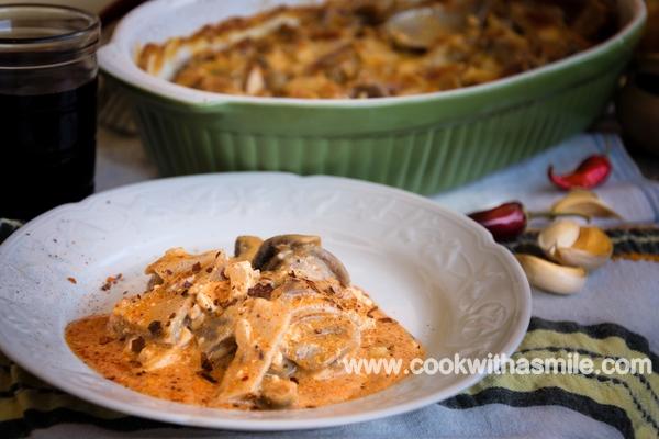 Свинско шкембе с топено сирене и гъби на фурна