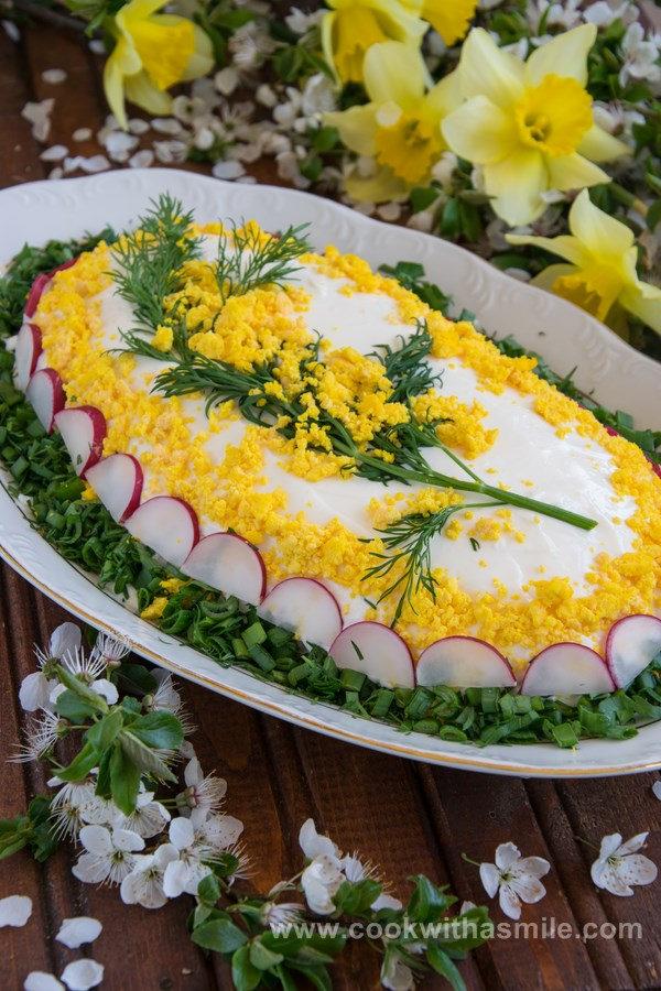 пролетна салата Мимоза с шунка