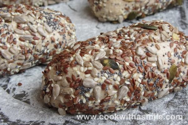 хлебчета с пълнозърнесто брашно и семена рецепта