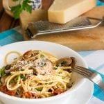 спагети-с-гъби-и-сушени-домати-рецепта