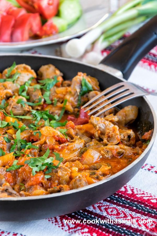 рецепта за пилешки воденички с лук и домати