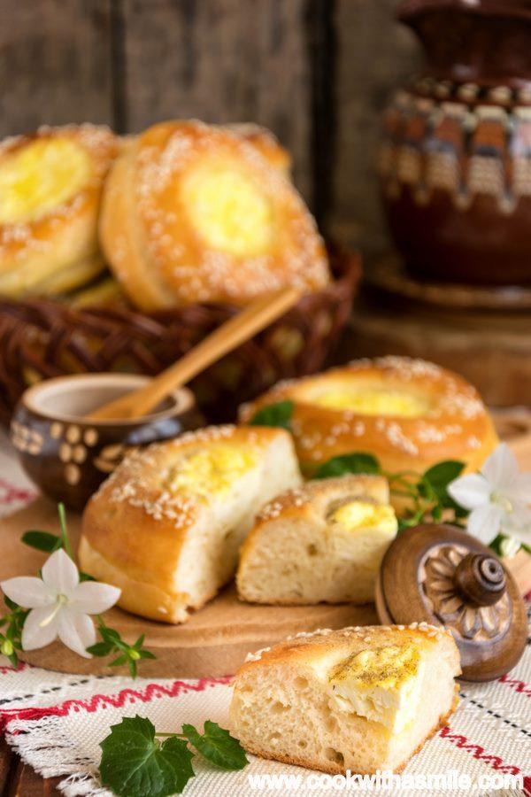 питки кладенчета с яйце и сирене