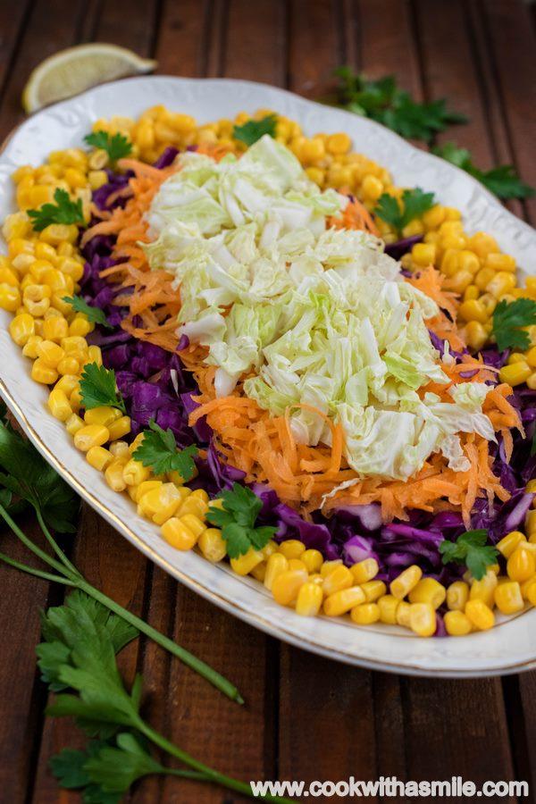 пъстра зимна салата с червено зеле моркови Андреевден