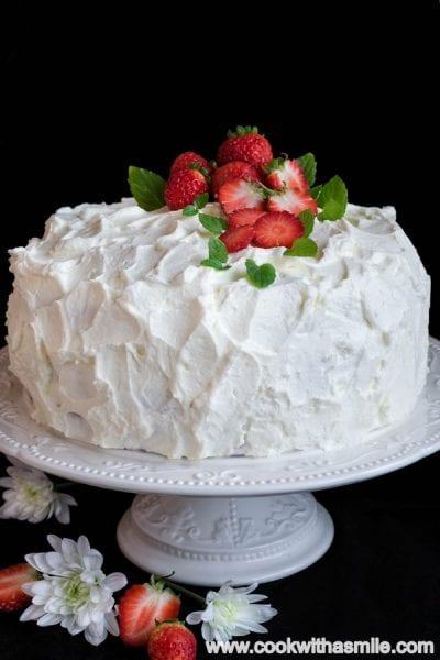 сметанова-торта-с-пандишпанов-блат