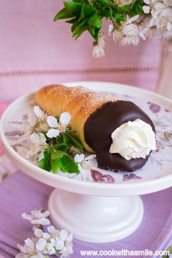 козуначени-фунийки-с-шоколад