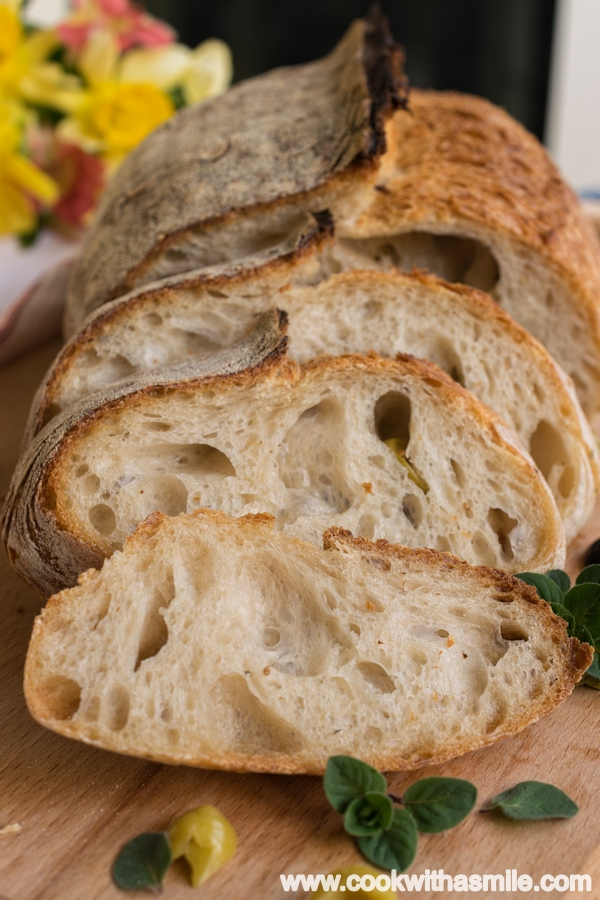домашен хляб с квас маслини и риган