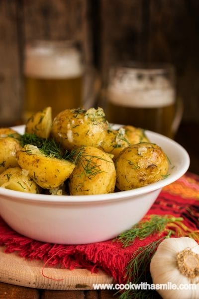 рецепта-за-пресни-картофи-на-фурна-с-копър-и-чесън-на-фурна