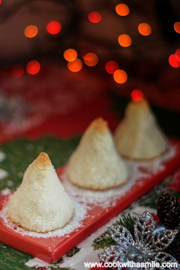 Снежни кокосови елхички коледни елхички