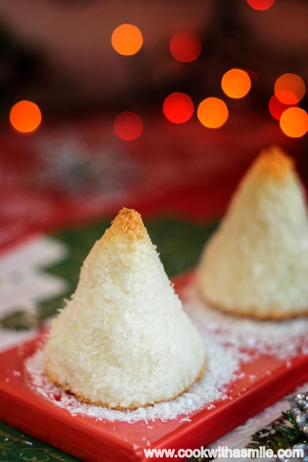 Снежни кокосови елхички рецепта