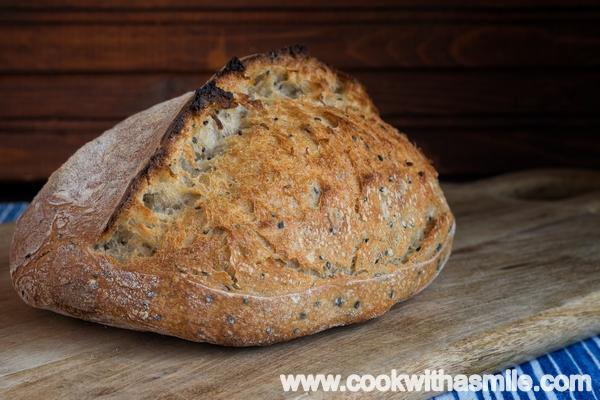 хляб с квас и семена