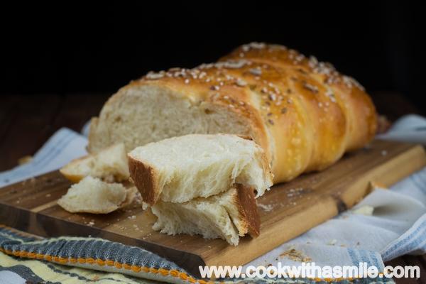 рецепта за плетен хляб със сирене