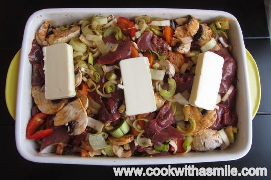 пилешки дробчета със зеленчуци на фурна