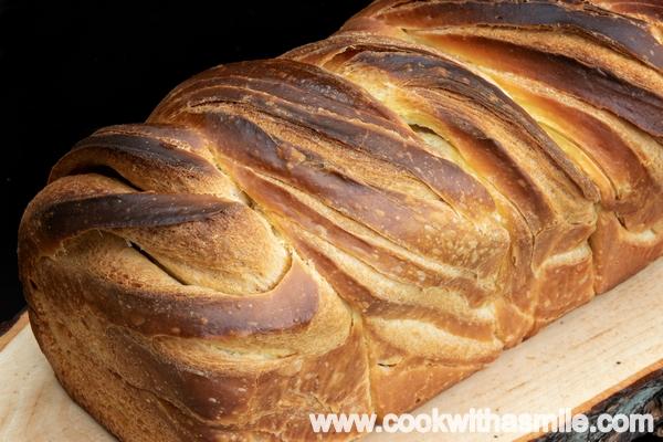 рецепта за многослоен усукан хляб бриош с квас